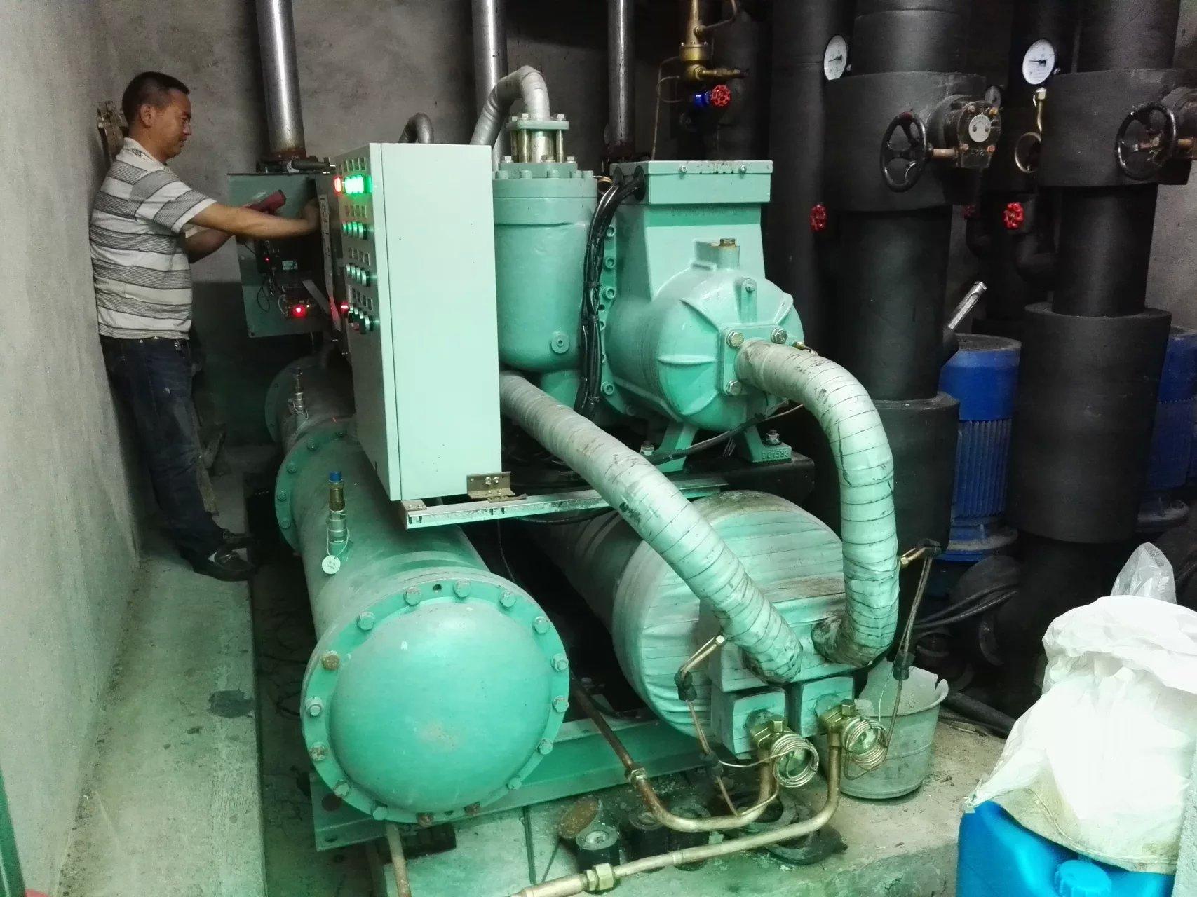 日立螺杆冷水机组维修